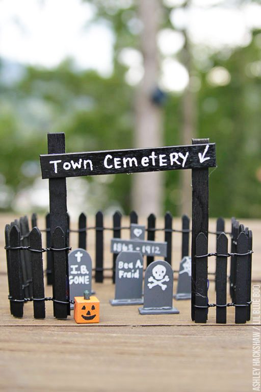 Halloween Decor Ideas - DIY Tombstones and Cemetery
