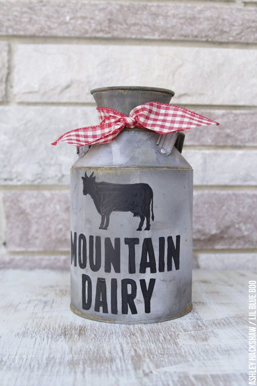 DIY Vintage Galvanized Dairy Can - DIY Rustic Christmas Accents