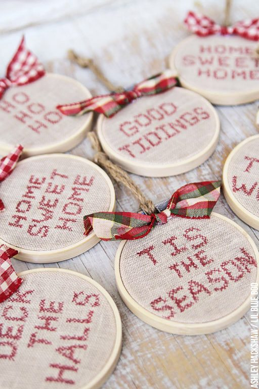 Farmhouse Rustic Farm Christmas Decor and Ornament Ideas