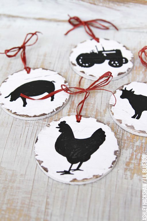 farmhouse christmas decorating ideas - chickens cows tractors