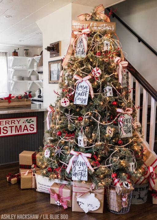 Farmhouse Christmas Tree Ideas and DIY Ornaments