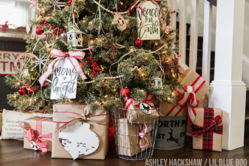Farmhouse Christmas Tree ideas 2018 - Rustic Decor
