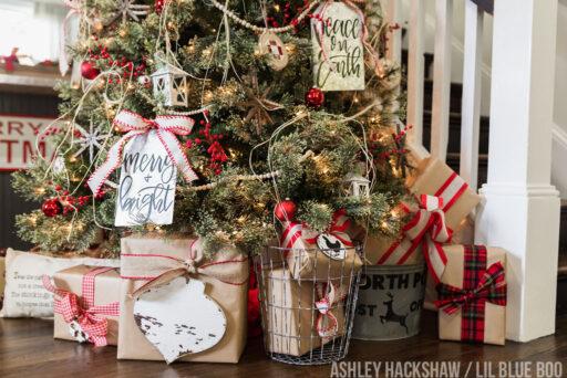 Farmhouse Christmas Tree ideas 2018 - Rustic Decor