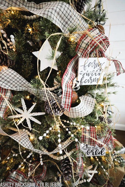 raffia on Christmas Tree christmas tree decorating ideas 2019