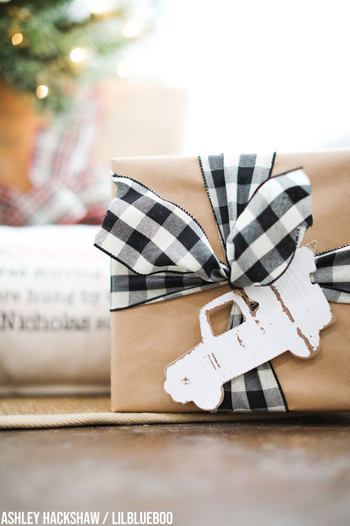 black and white buffalo plaid christmas decorations